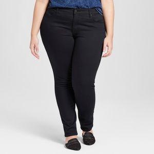 Denim - NWT Universal thread 26 plus sz black skinny jeans